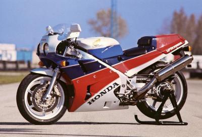 Honda RC30 - VFR750R: una regina!