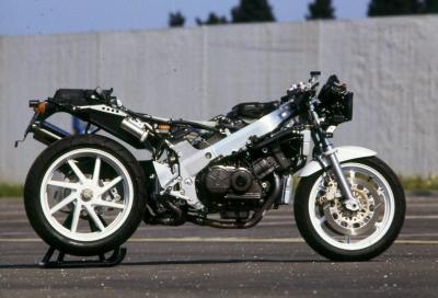 I segreti del telaio della mitica Honda RC30