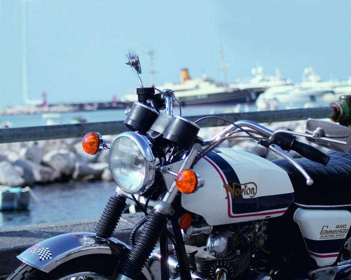 NORTON COMMANDO 850 MK III ROADSTER ES: l'ultima vera Commando